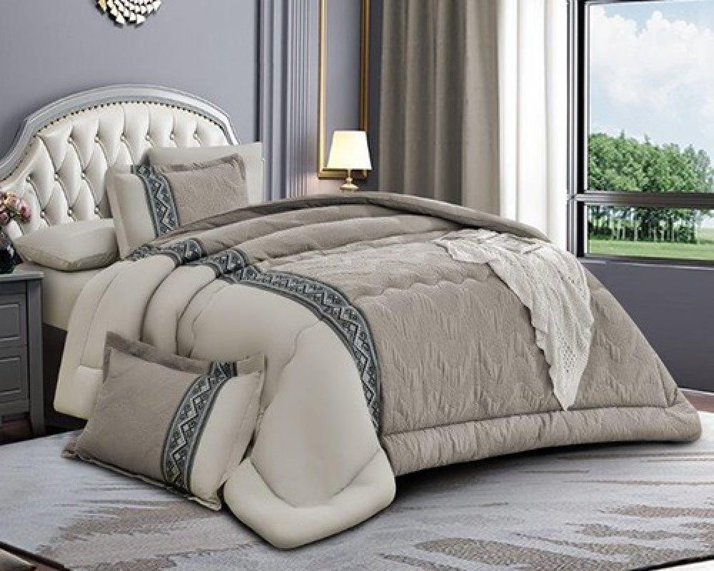 مفرش سرير مطرز نفرين صيفي لونه رمادي