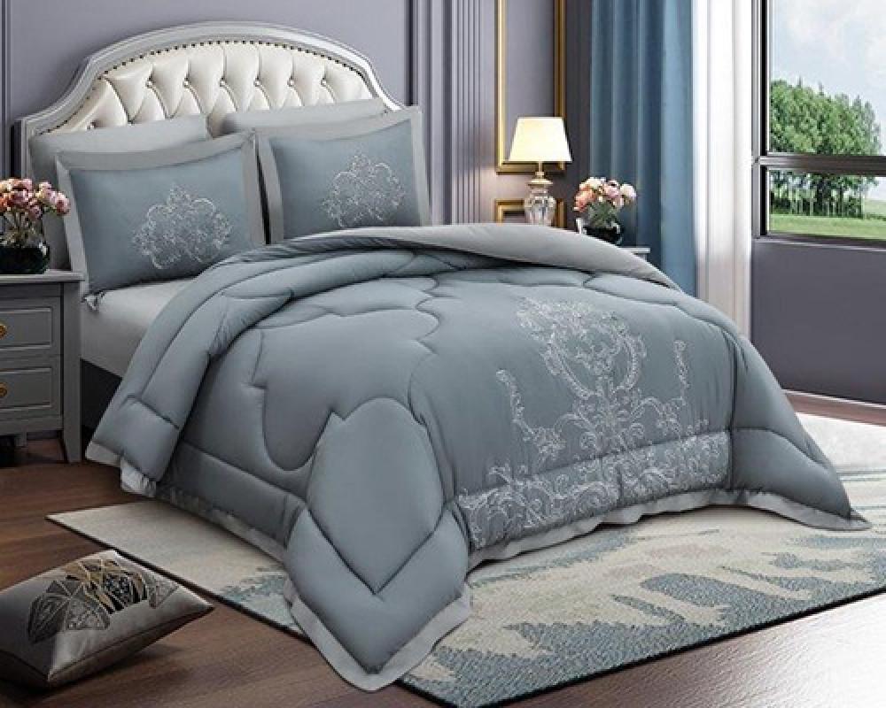 مفرش سرير مطرز نفرين صيفي لونه سماوي