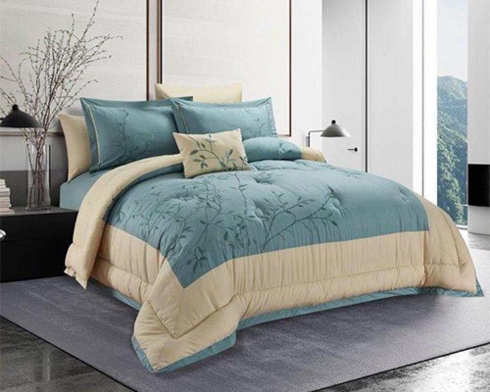 مفرش سرير نفرين مطرز و فخم لونه تيفاني