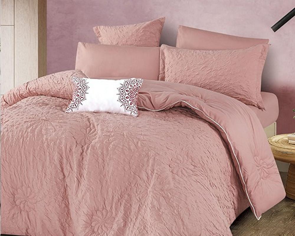 مفرش سرير نفر ونص مطرز وفخم لونه وردي