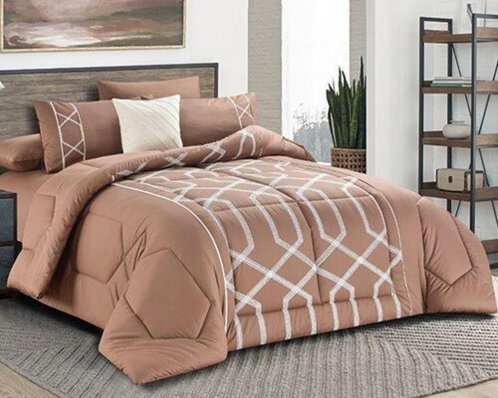 مفرش سرير مطرز نفرين صيفي لونه لحمي