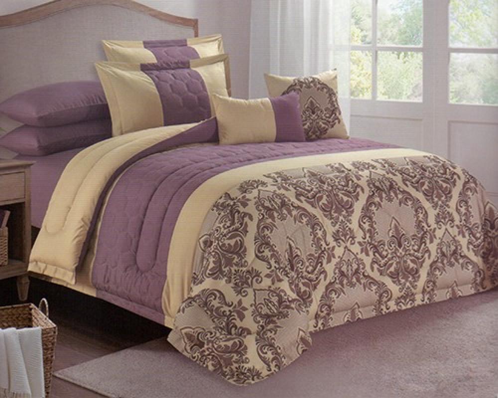 مفرش سرير نفرين مطرز مشجر لونه بنفسجي