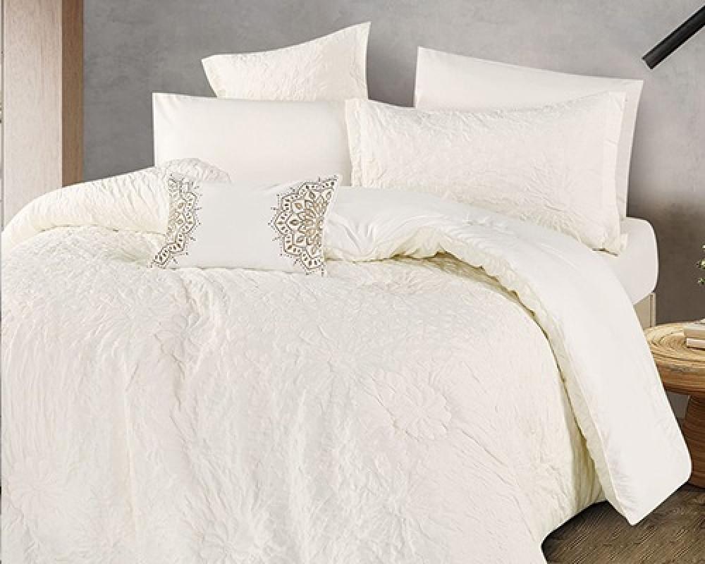 مفرش سرير نفر ونص مطرز وفخم لونه ابيض