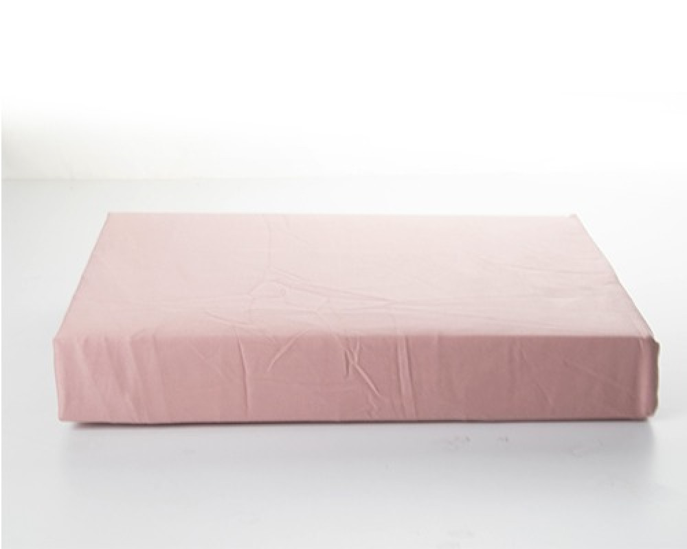 شرشف سرير نفرين ساده قطن لونه وردي