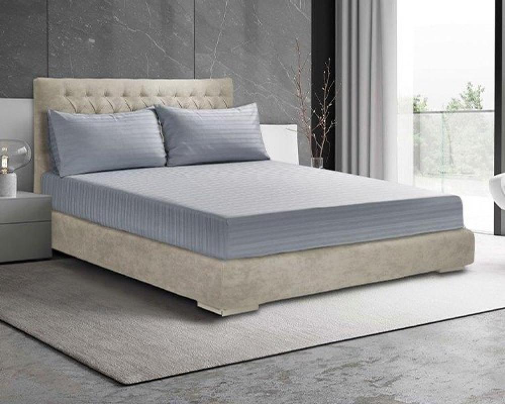 شرشف سرير فندقي نفر ونص لونه ازرق