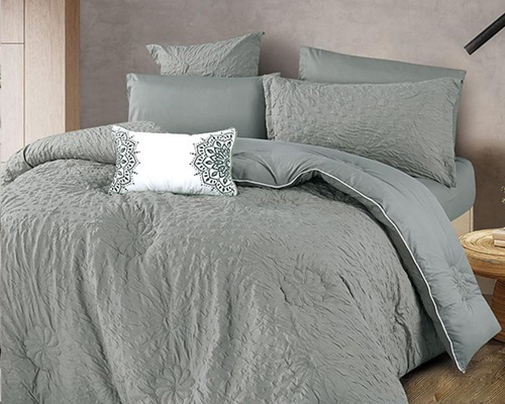 مفرش سرير نفر ونص مطرز وفخم لونه رمادي