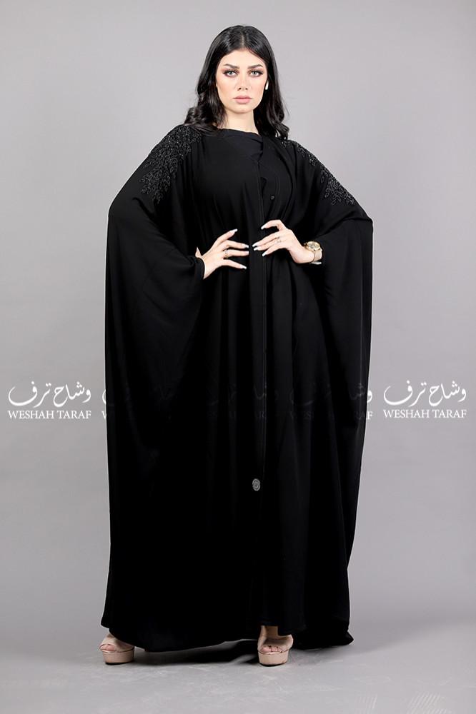 عباية اماراتي بتطريز أسود