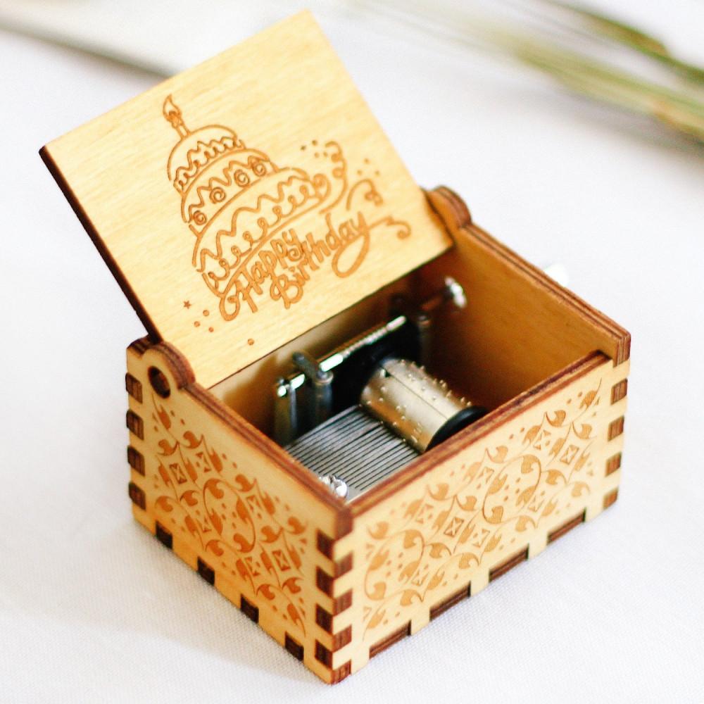 صندوق موسيقى خشبي لموسيقى Happy Birthday أفكار هدايا عيد الميلاد متجر