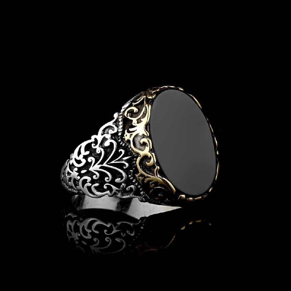 خاتم بصياغة مميزة من الفضة الخالصة
