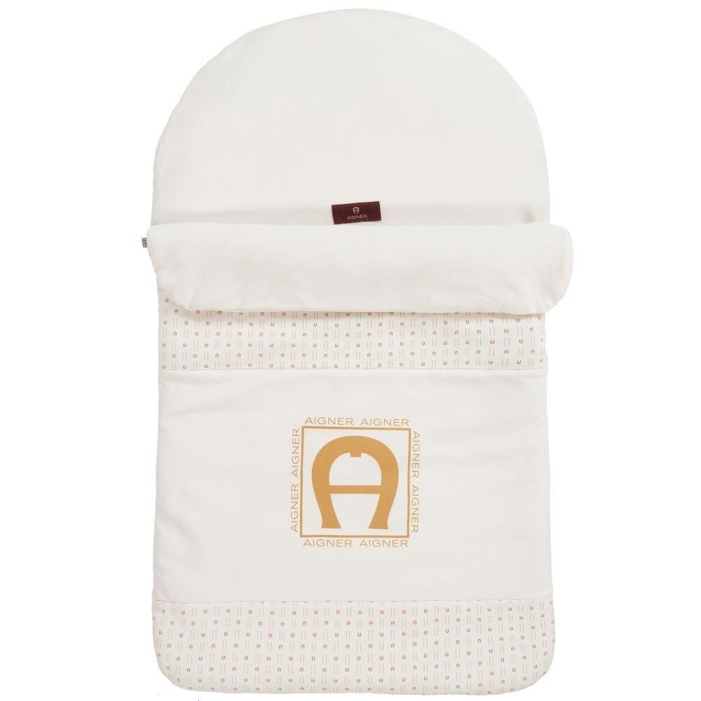 غطاء واقي من البرد لحديثي الولادة باللون البيج من ماركة  Aigner دوها