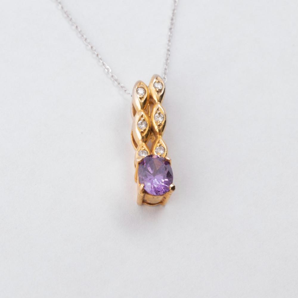 سلسال ذهب أصفر مع الماس وحجر كريم