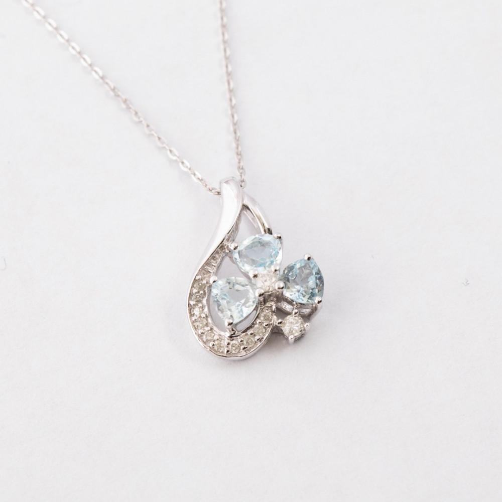 سلسال ذهب أبيض مع الماس وحجر كريم