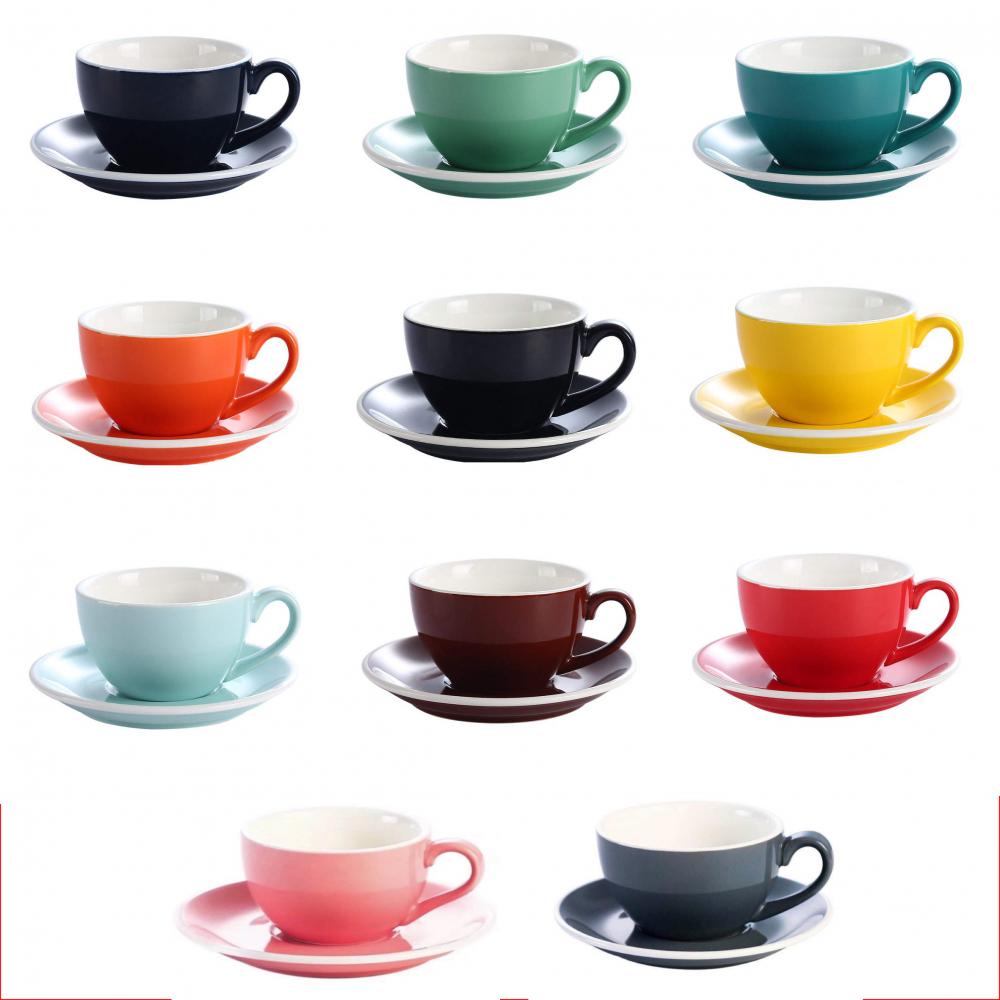 أكواب قهوة ملونة