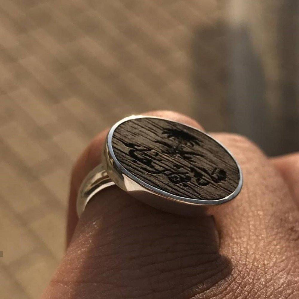 خاتم ملكي فص خشب عود