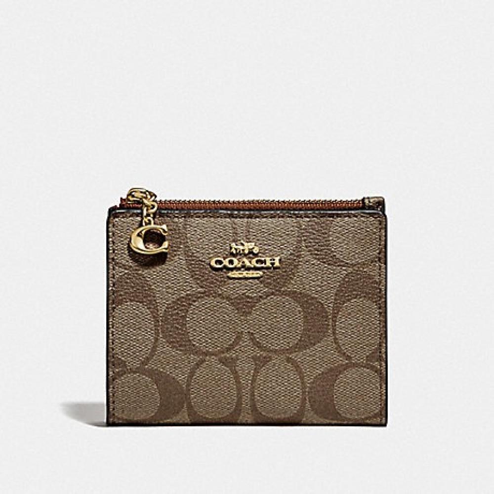 محفظة أنيقة من كوتش