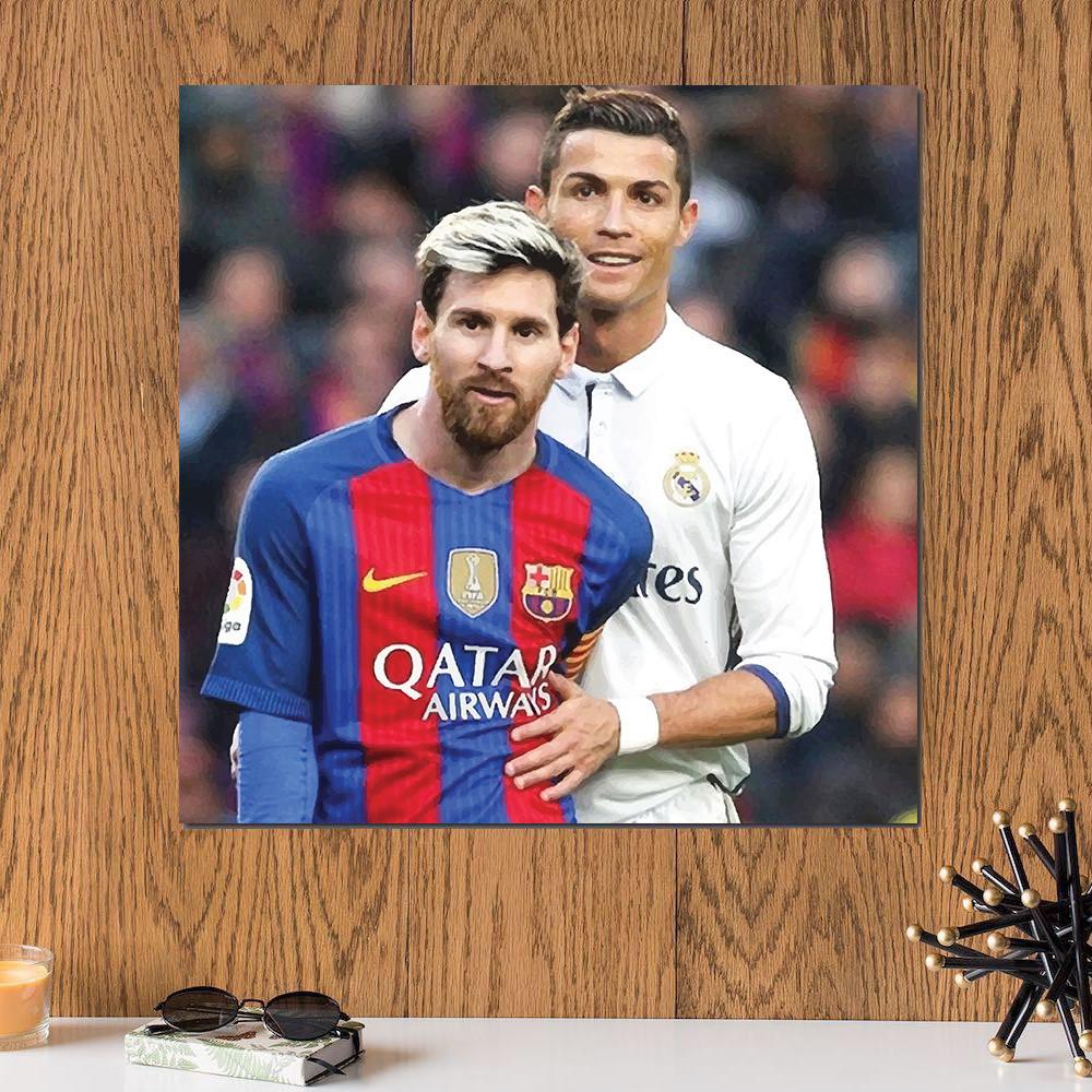 لوحة رونالدو و ميسي خشب ام دي اف مقاس 30x30 سنتيمتر