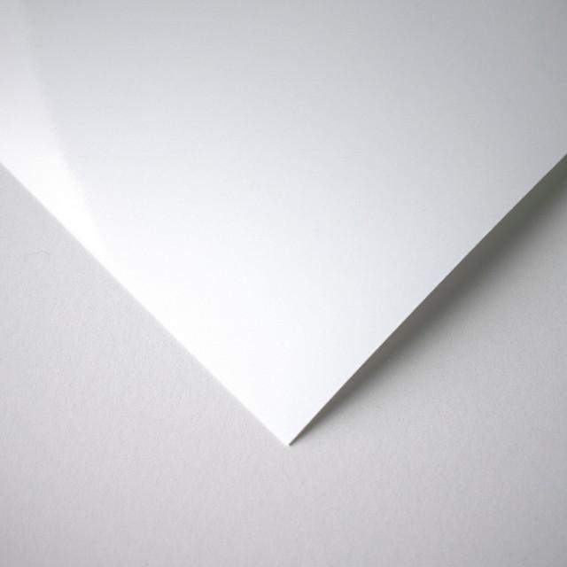 ورق لامع أبيض سادة 111 12x12 انش 20 ورقة Faniat فنيات
