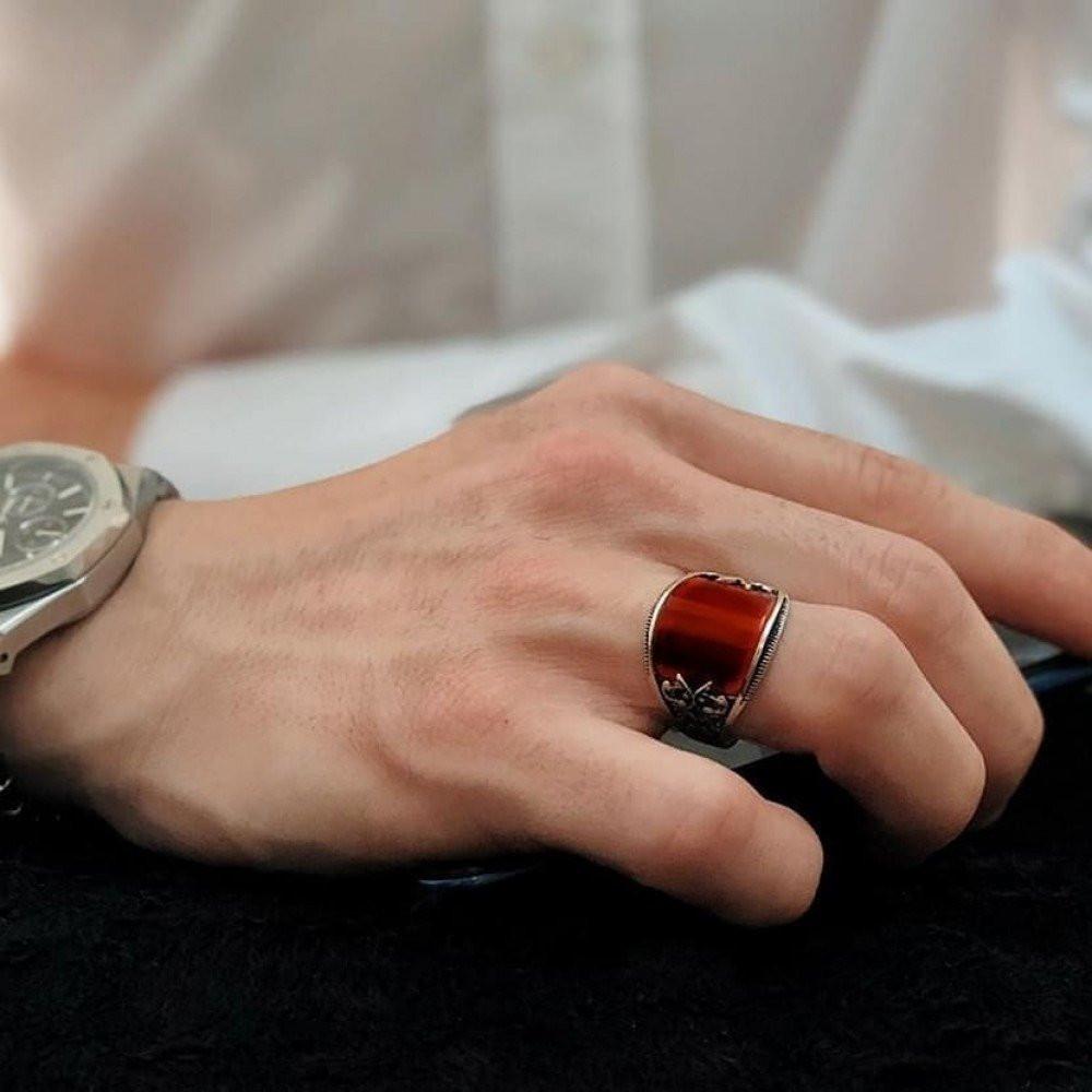 خاتم من الفضة الخالصة بصياغة راقية