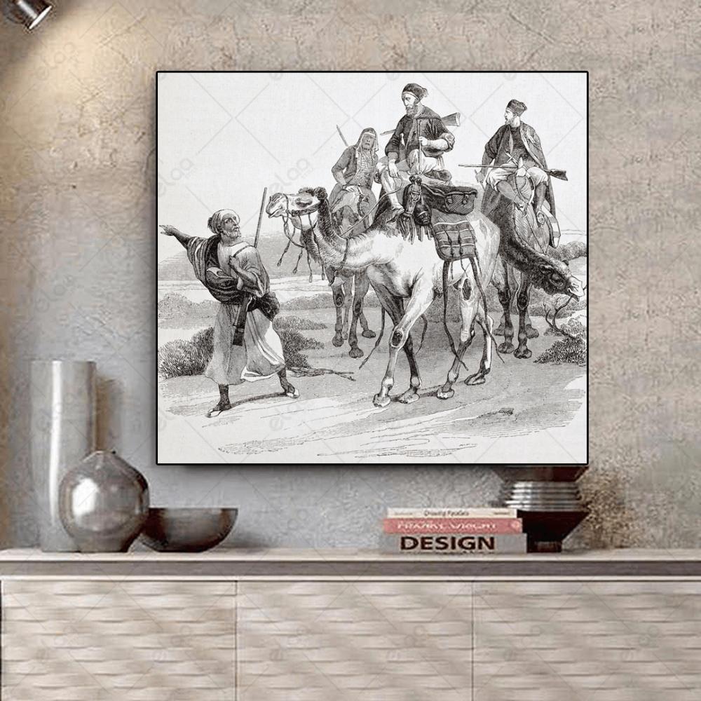 قافلة جمال عربية بالأبيض والأسود