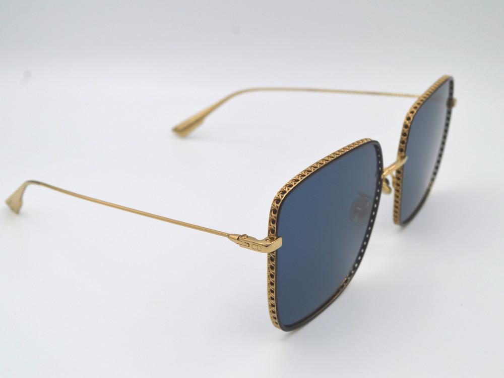 ديور Dior نظارة شمسية نسائية لون العدسة ازرق غامق