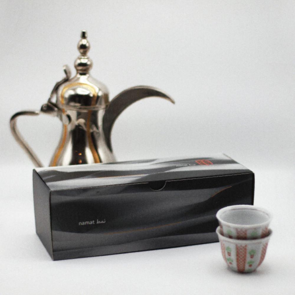 صندوق نمط يحتوي على 5 أكياس قهوة عربية مختصة بحجم 400 جرام