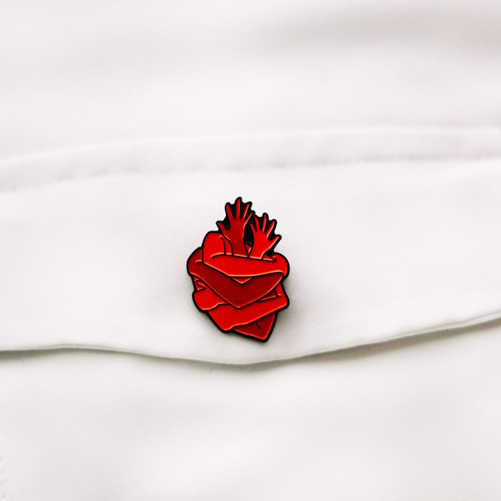 بروش قلب اكسسوارات للطلاب والطالبات هدية تخرج لطبيب وطبيبة اكسسوارات
