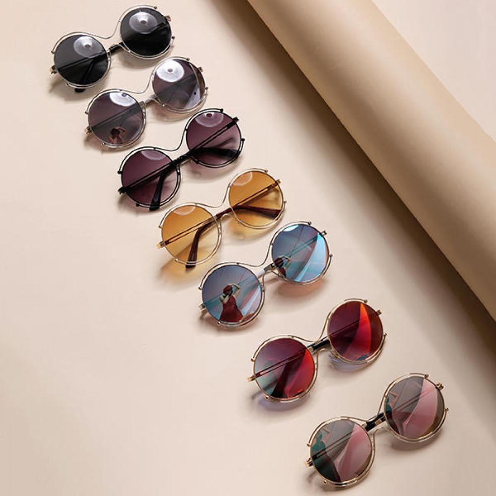 نظارات نسائية بإطار دائري