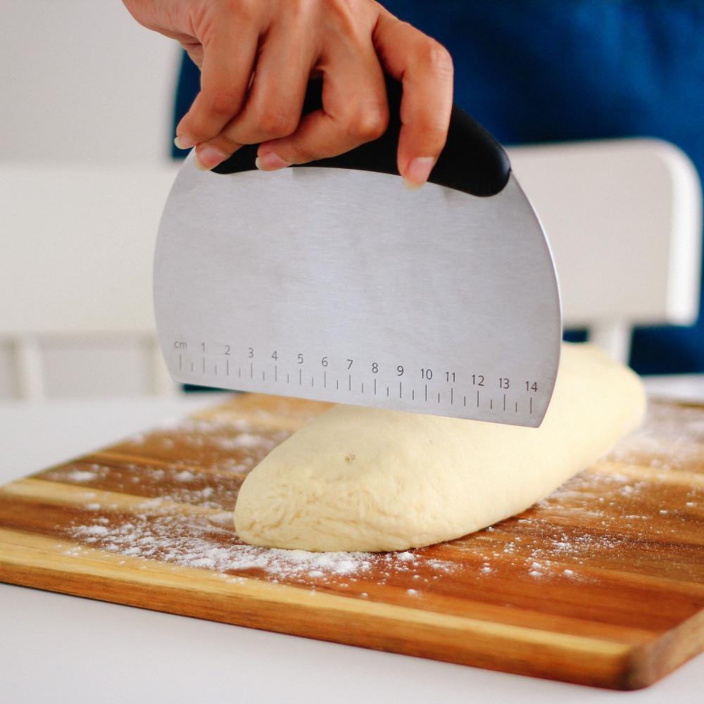 مقشط العجين أداة تقطيع العجين وتوزيع الكريمة مكشطة العجين أدوات الخبز