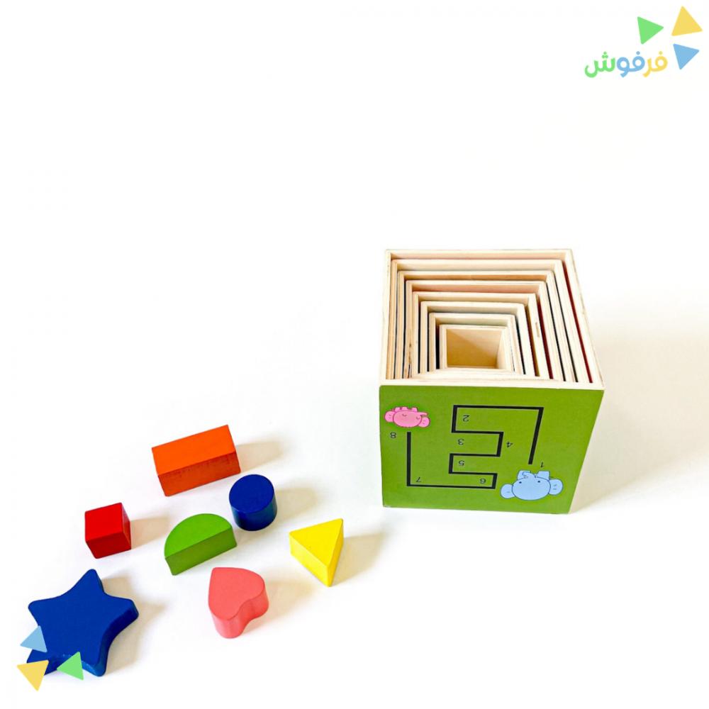لعبة مكعبات لبناء برج الخشب