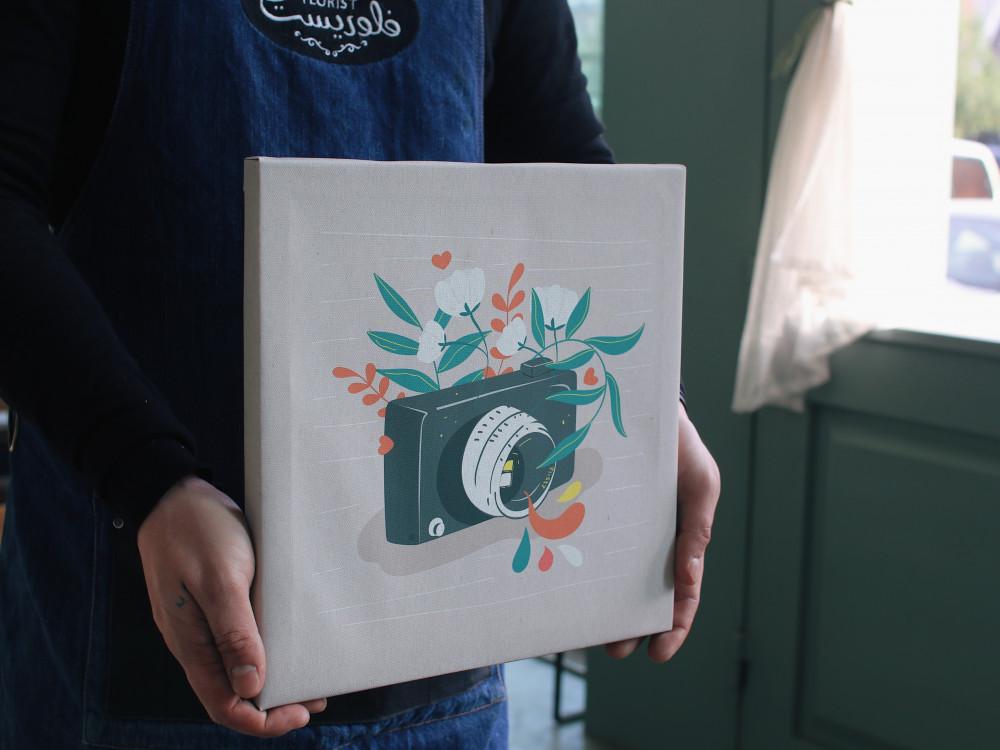 لوحة جدارية هدية للمصورين