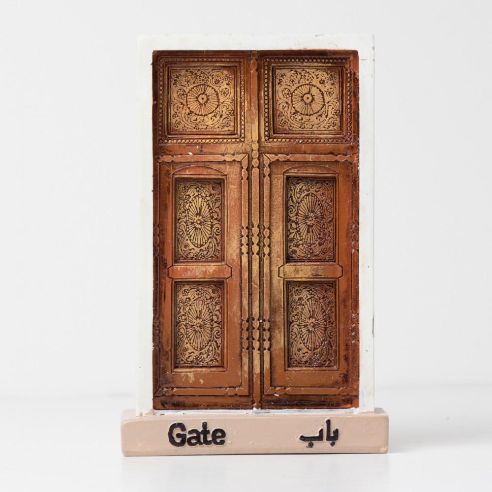 الباب المزخرف القديم