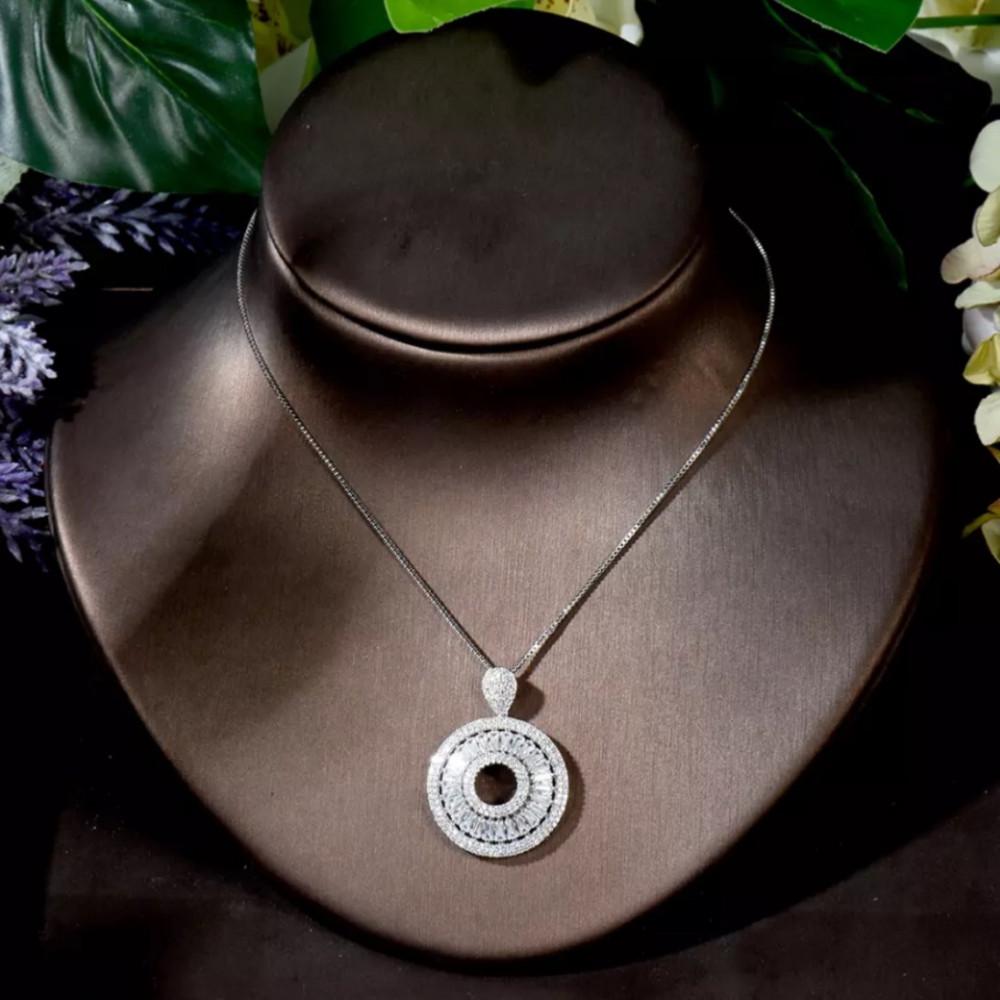 طقم دائري من اناقة الجواهر