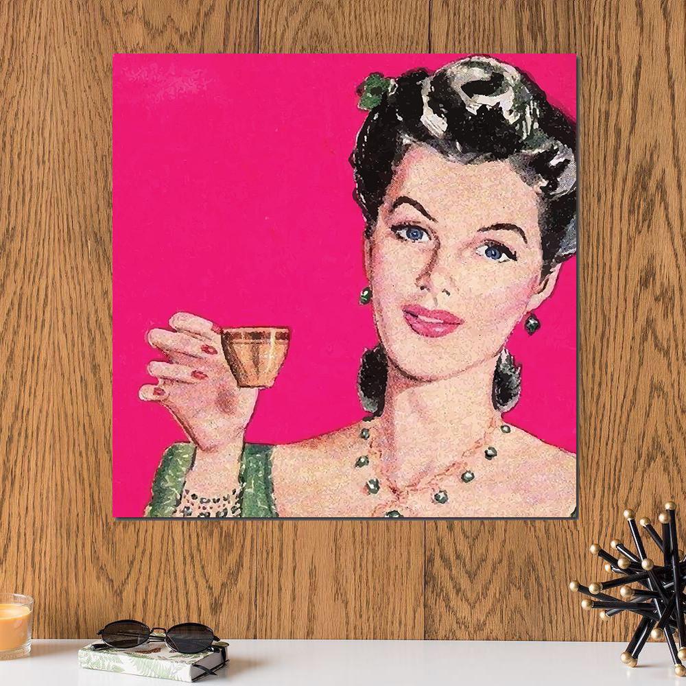 لوحة المرأة الجميلة خشب ام دي اف مقاس 30x30 سنتيمتر