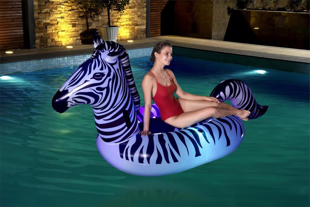 عوامات سباحة