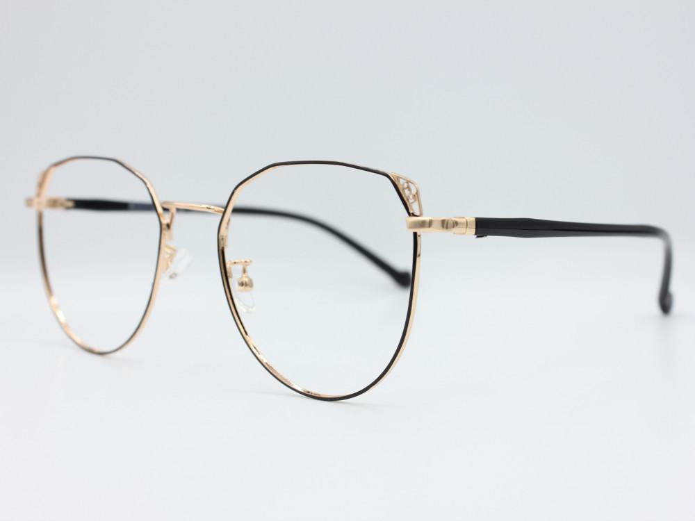 نظارة طبية نسائيه من ماركة T كلاسيك عدسات بحماية لون الاطار ذهبي نسائي