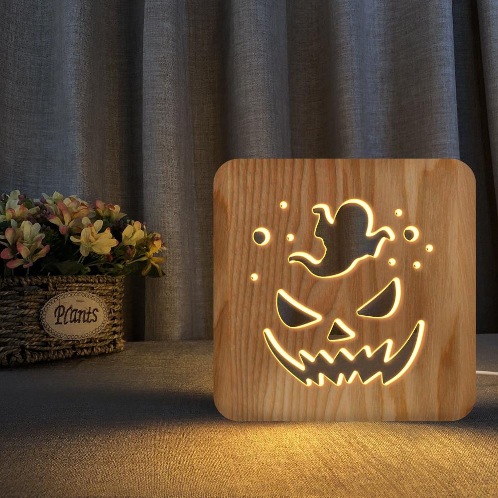 تحفة شكل اليقطينة مضيئة خشبية من متجر مواسم بتصميم فريد وجذاب