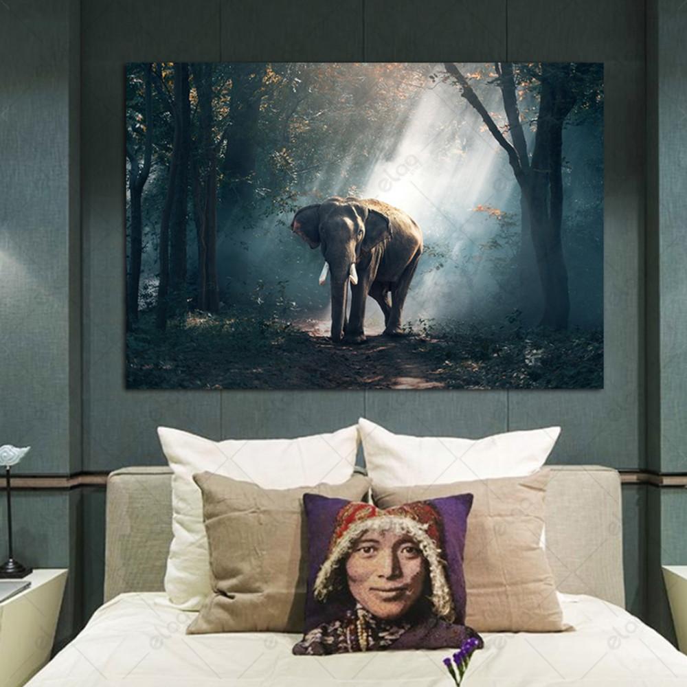 لوحة جدارية منظر طبيعي لفيل في غابة دارك ارت