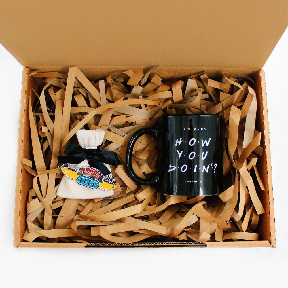 هدية رجالية هدايا نسائية مسلسل فريندز هدية تخرج هدية نجاح متجر هدايا