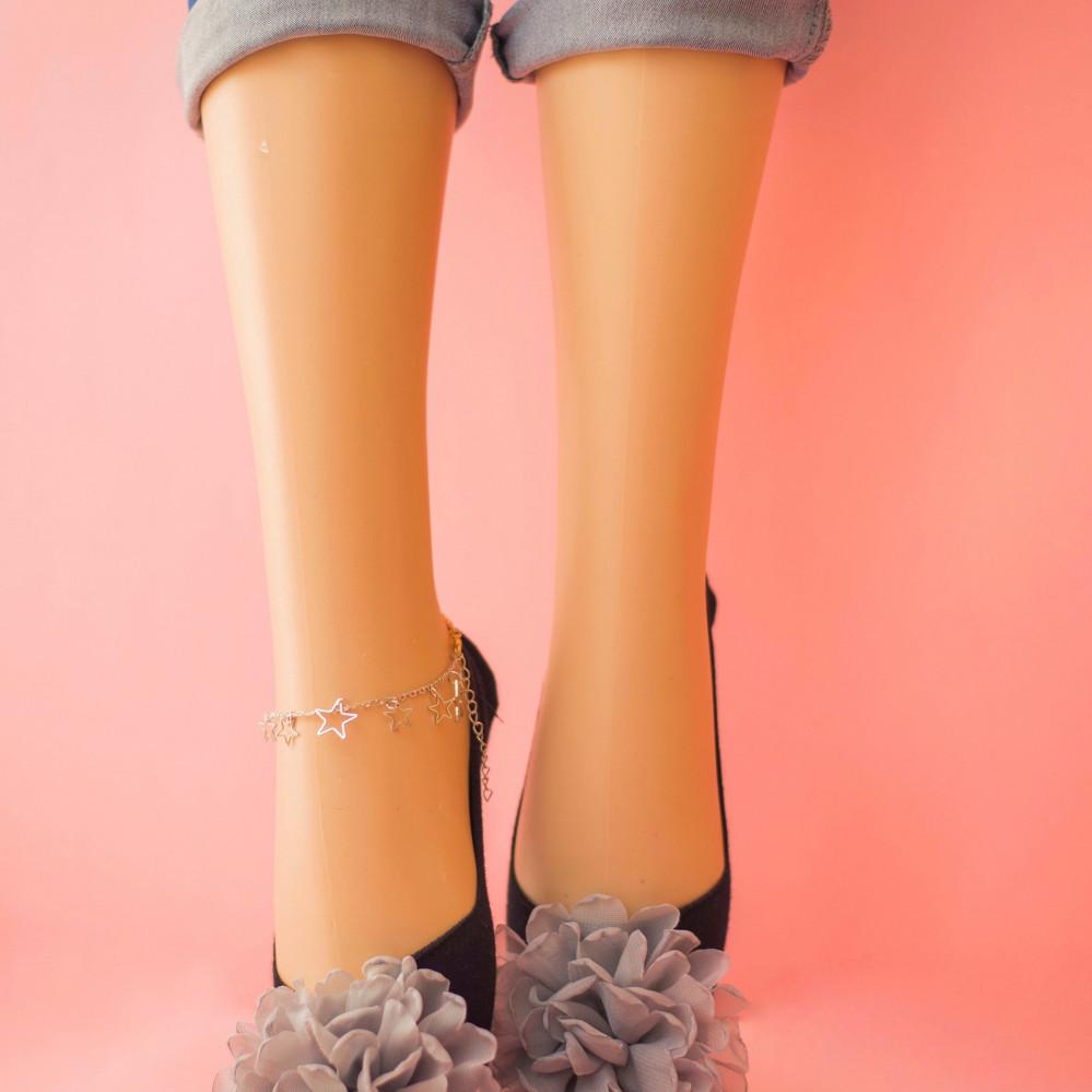 جوارب نسائية ملونه