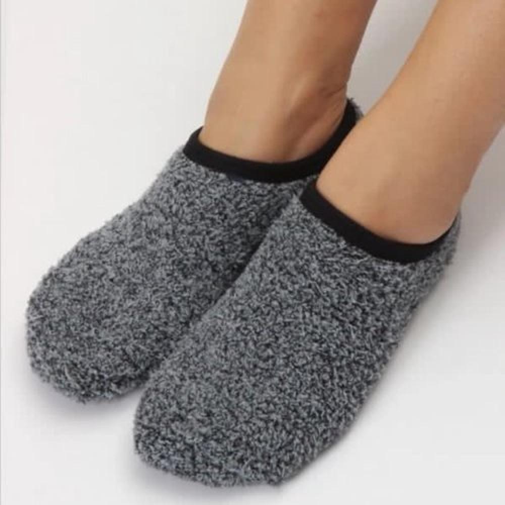 جوارب ضد الانزلاق