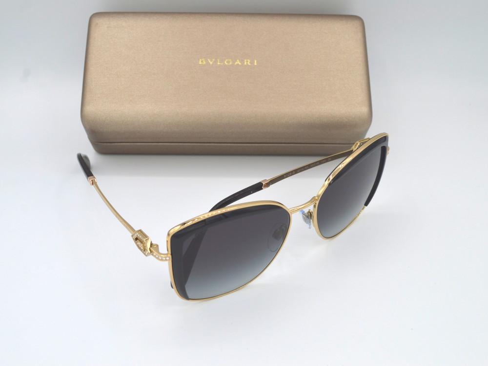 بولغارى BVLGARI نظارة شمسية نسائية لون العدسة اسود مدرج