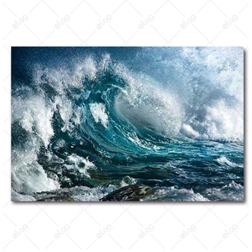 لوحة فنية منظر طبيعي لأمواج بحر عالية