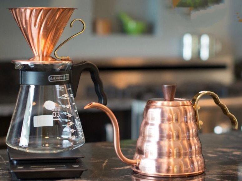 ادوات القهوه المقطره