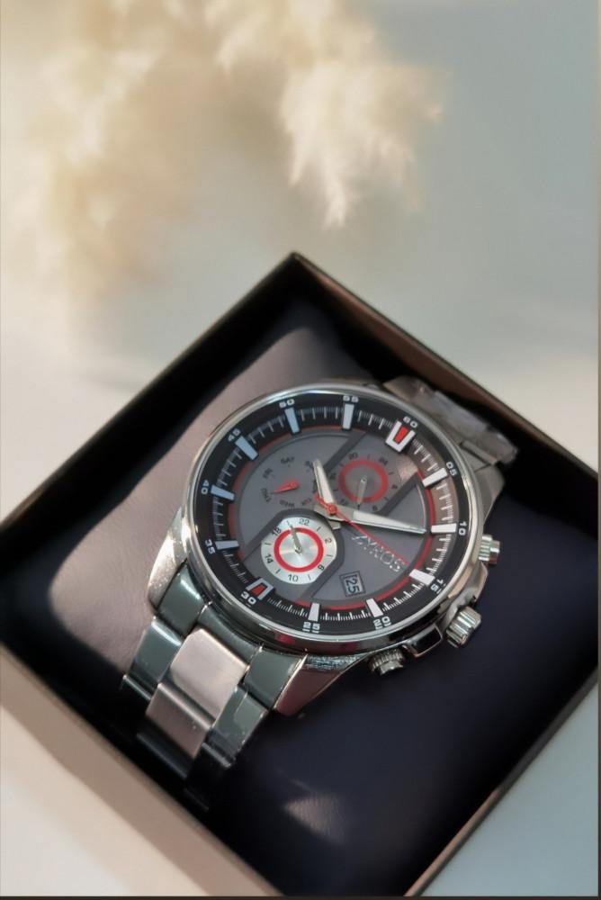 ساعة رجالية باللونين الأحمر والفضي - زايروس