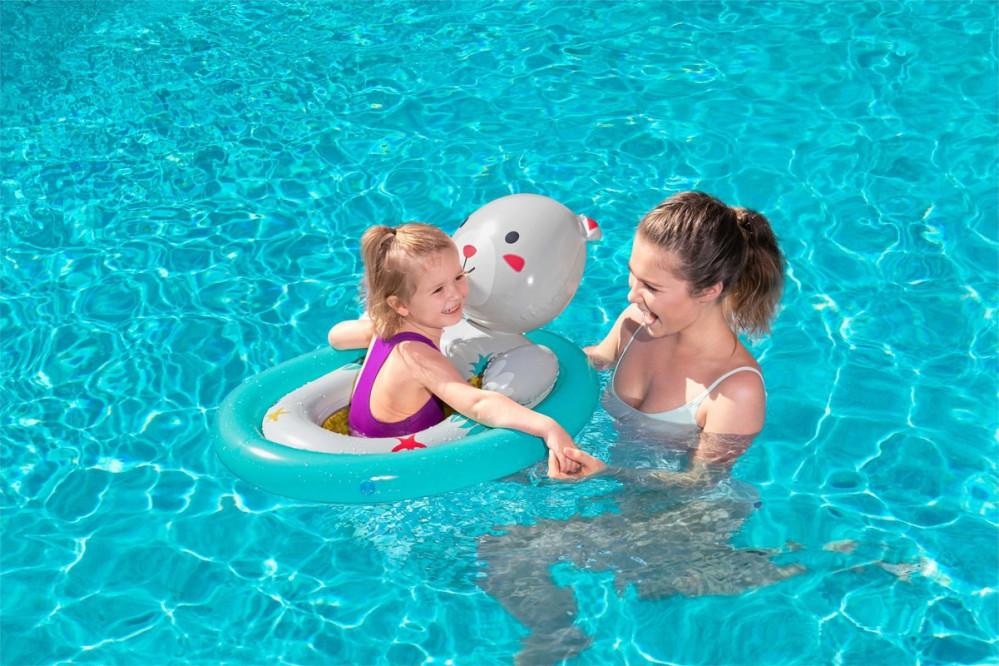 عوامات للمسبح