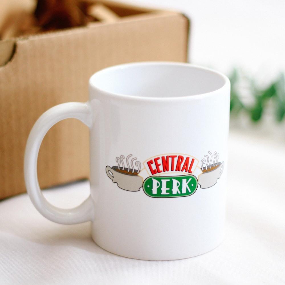 صندوق هدية لعشاق مسلسل فريندز هدايا كوب شدو مسلسل فريندز متجر هدايا