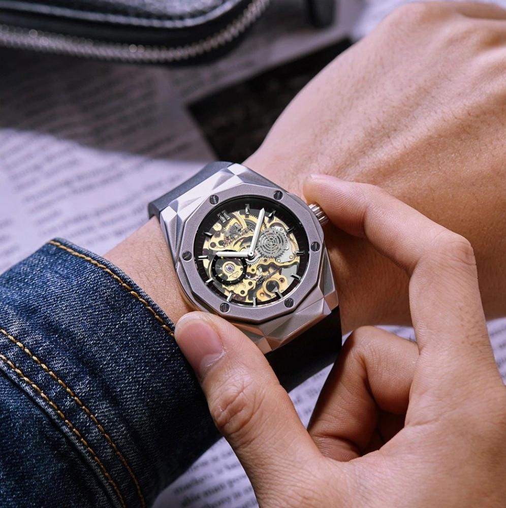 ساعة رجالية  رياضية من Paulareis  بسوار مطاطى