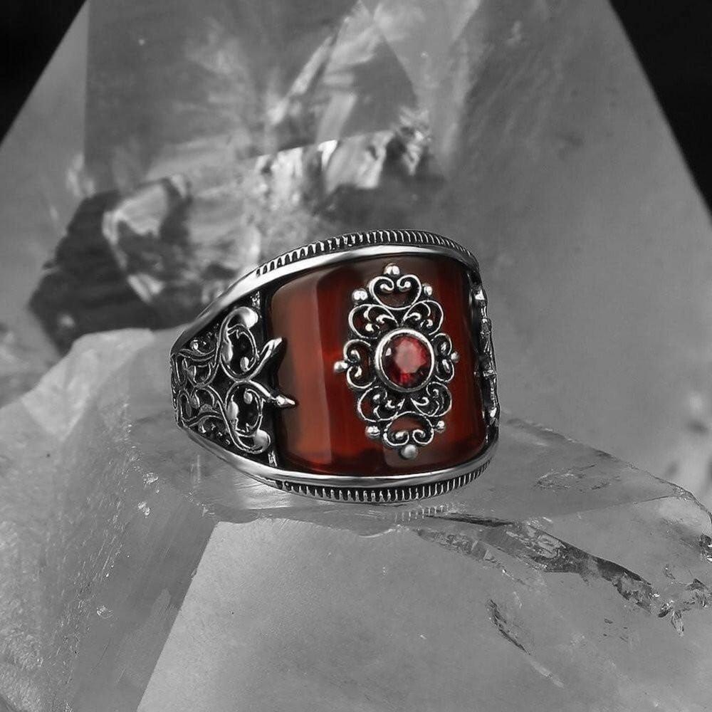 خاتم بحجر عقيق أحمر مميز