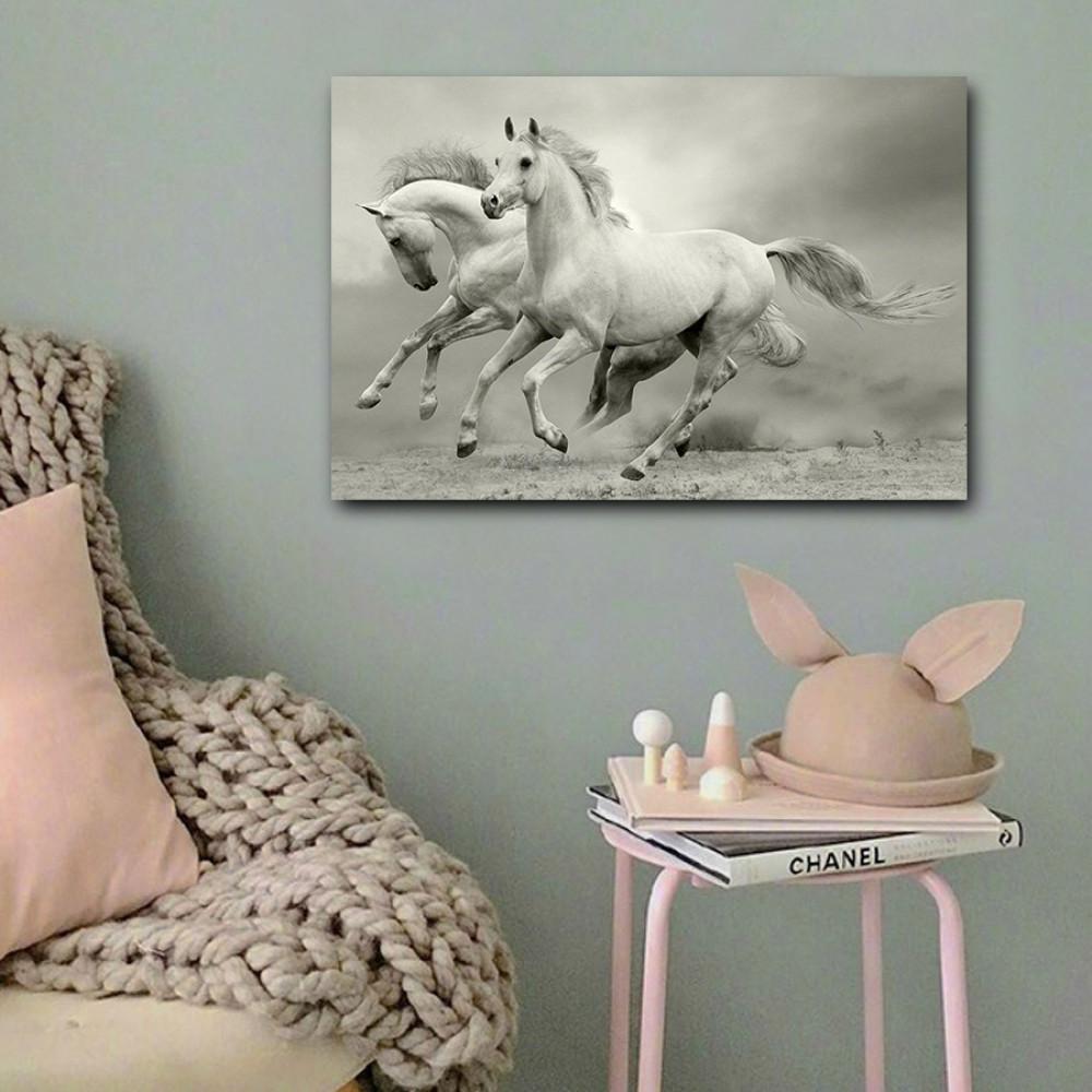 لوحة خيول بيضاء خشب ام دي اف مقاس 40x60 سنتيمتر