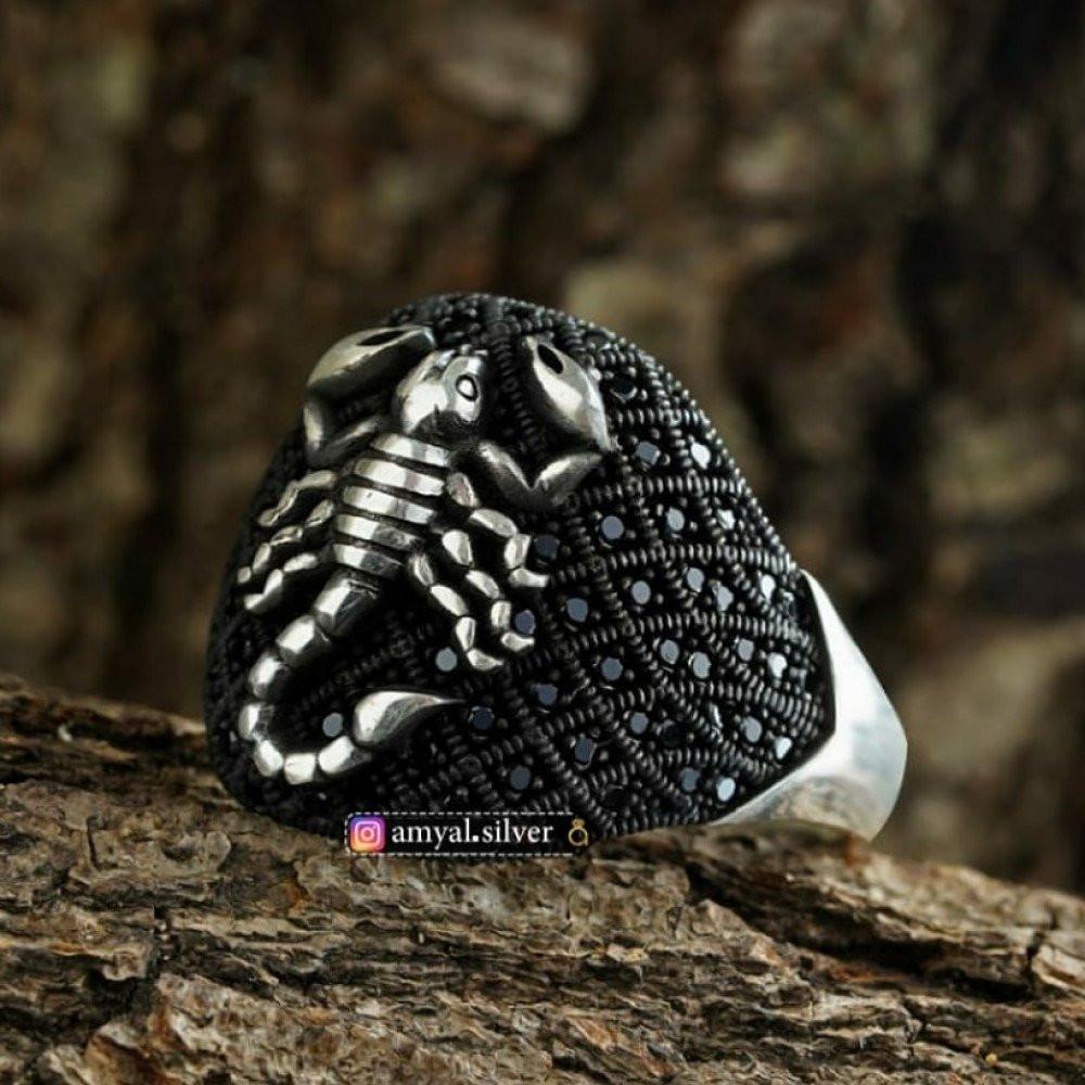 خاتم فضة خالصة بصياغة مميزة